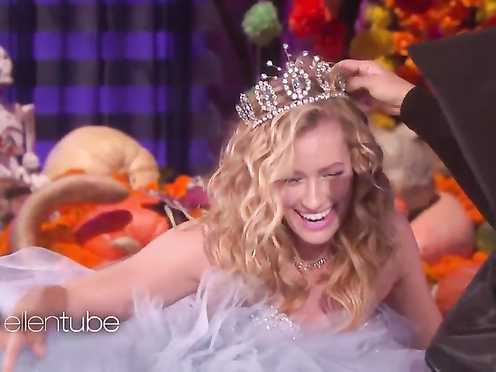 Beth Behrs Sexy – The Wickedly Fun – The Ellen DeGeneres Show 2016