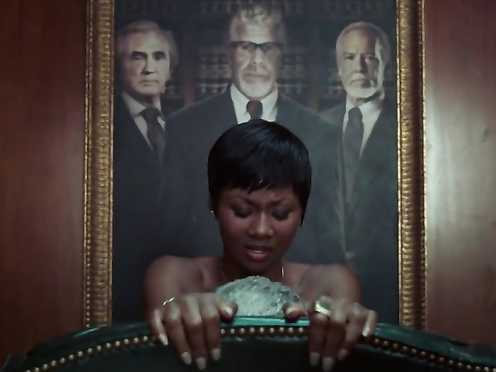 Elizabeth McLaughlin Fabulous, Emayatzy Corinealdi Naked – Palm of God S01 E01 (2014)