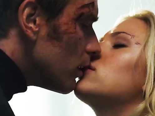 Scarlett Johansson hot – The Island (2005)