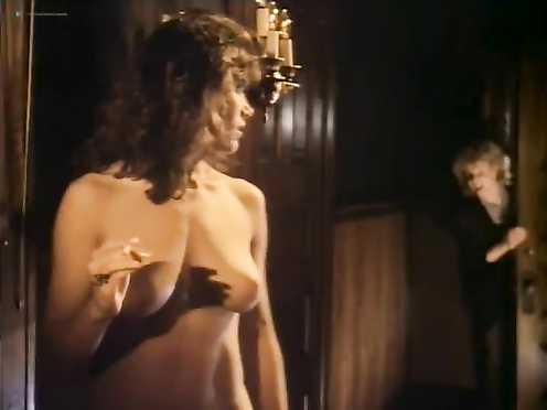 Kathleen Kinmont, Toni Lee, Laura Burkett Naked – Rush Week (1989)
