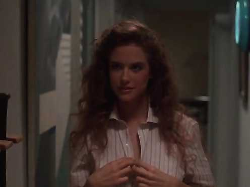 Kelly Preston Naked – Spellbinder (1988)