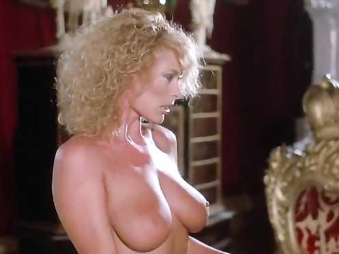 Sybil Danning, Marsha A. Hunt Naked – Blubbering II (1985)