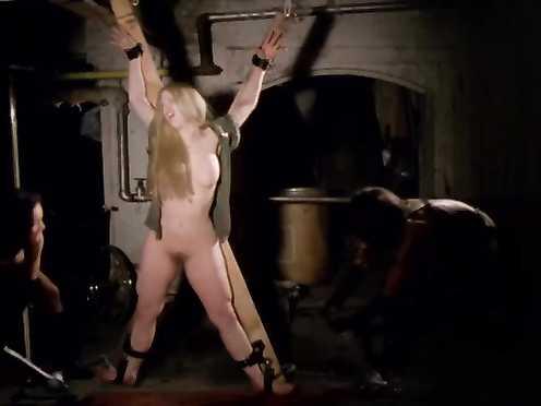 Viju Krem, Arlana Blue, Jennifer Stock Naked – Bloodsucking Freaks (1976)