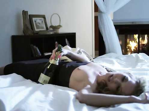 Amanda Ward Without bra – Celeb Bang-out Gauze (2012)