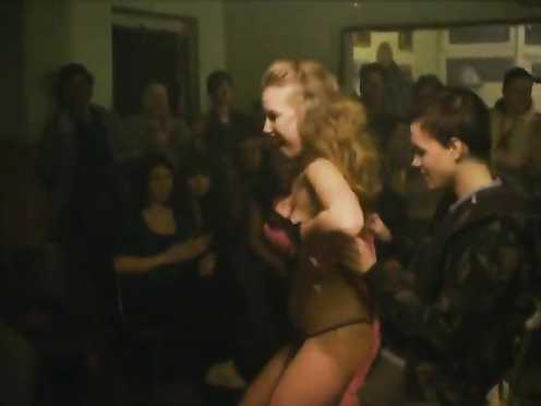 Aneta Krejcikova Nude – Poupata (2011)