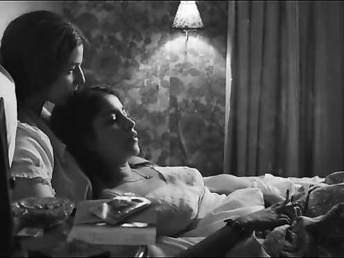 Esther Garrel, Leïla Bekhti Naked – Lastragale (FR 2015)