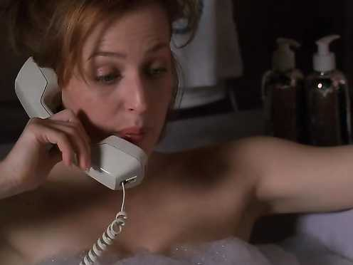 Gillian Anderson Nude – The X-Files (2000) s07e19