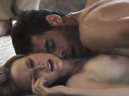 Juana Acosta, Ingrid Garcia Jonsson Nude – Acantilado (2016)
