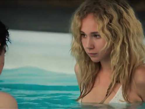 Juno Temple, Riley Keough Naked – Masturbate and Diane (2012)