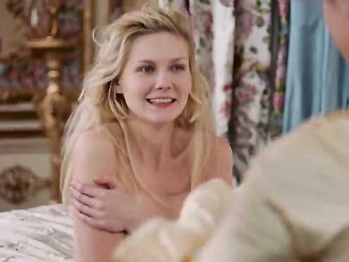 Kirsten Dunst Naked – Marie Antoinette (2006)