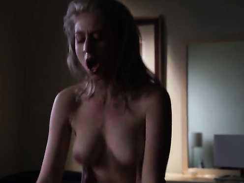Melissa Stephens Naked – Californication S04 E08 (2011)