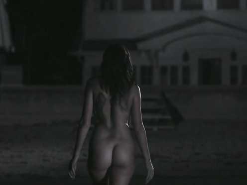Victoria Johnstone Nude – Lake Eerie (2016)