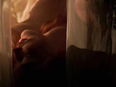 Cate Blanchett Nude – Elizabeth (1998)