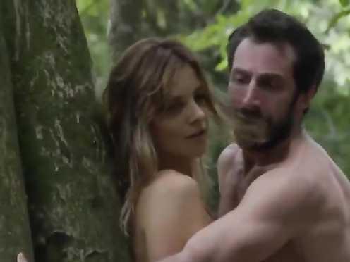 Carolina Chalita sexy – Amor De 4-s01e05 (2017)