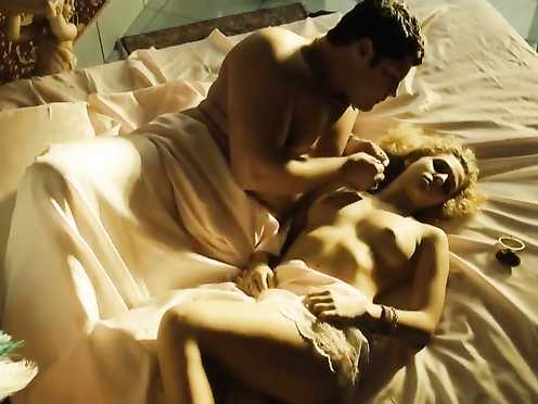 Elena Starace Naked – Gomorra s01e05 (2014)