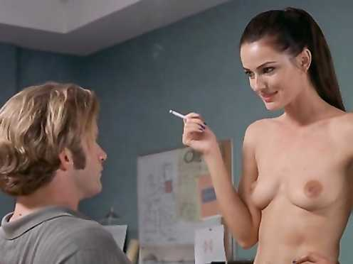 Paulina Porizkova naked – Thursday (1998)