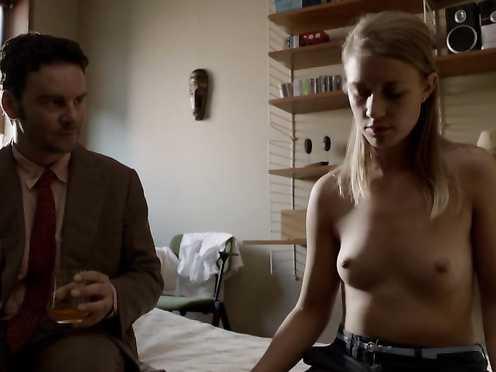 Sara Hjort Ditlevsen, Hadewych Minis Naked – Borgman (2013)