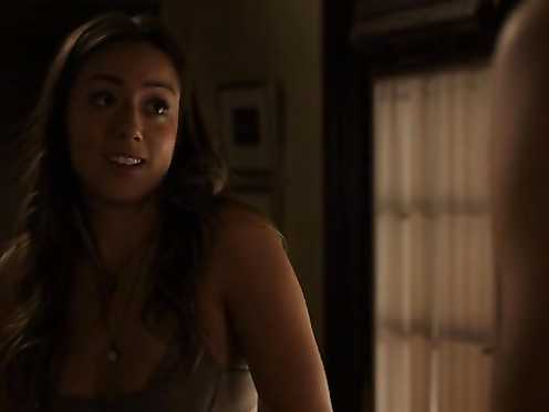 Chloe Bennet sexy – Marvels Agents of S.H.I.E.L.D. s01e05 (2013)