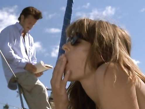 Elizabeth Hurley naked, Catherine McCormack handsome – The Weight Of Water (2000)
