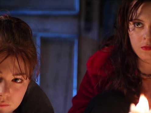 Angelina Jolie, Hedy Burress, Jenny Shimizu Nude – Foxfire (1996)