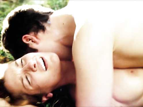 Erotic Outdoor Hump Vignette in Flick – Laurence Hamelin, Lily Cole Naked – The Moth Diaries (2012)