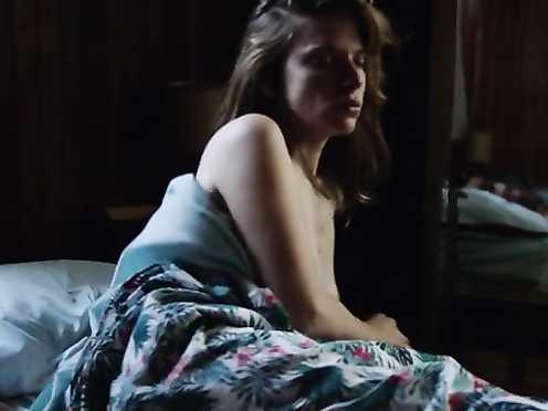 Andrea Carballo naked – Finding Sofia (2016)