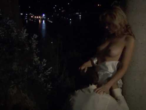 Anna Hutchison nude – Underbelly S02E03 (explicit hump)