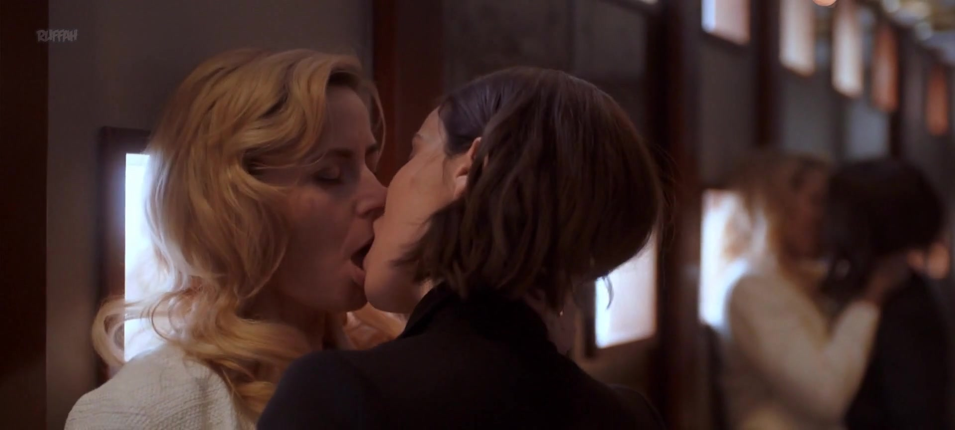 lesbické foced sex
